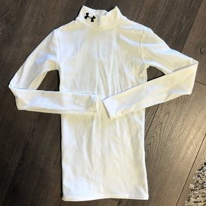 NWOT Kids Under Armour cold gear long sleeve Sz s